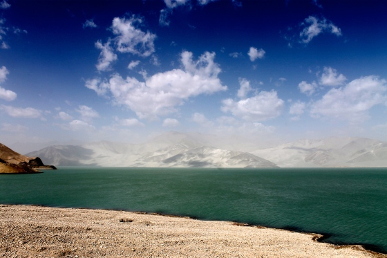 White sand dunes and lake along Karakoram Highway